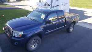 FOR SALE: 2006 Toyota Tacoma
