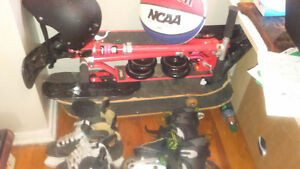 everthing in pic 80$  8.5 Rollerblades. k2