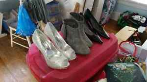 12 pairs of women's shoes size 9-10