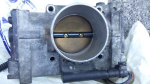 Throttle body Volvo s60 t5 2.3l 2001