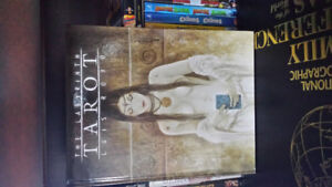Luis Royo: The Labyrinth Tarot