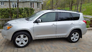 2006 Toyota RAV4 Sport V6 VUS gris argent excellente condition!