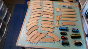 WOODEN THOMAS/BRIO TRAIN TRACK AND TRAIN LOT