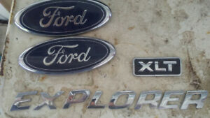 Ford emblems 2003 explorer xlt