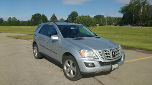 2010 Mercedes-Benz M-Class ML350BT SUV, Crossover