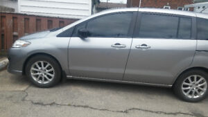 2010 mazda 5 minivan, very well equiped