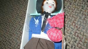 "VINTAGE ADORABLE ""FANAS"" PORCELAIN SPAIN HOBO MALE DOLL Kitchener / Waterloo Kitchener Area image 4"