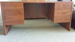 Big Desk with lockable drawers