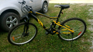 Nearly Brand new Black and Yellow CCM Static Mountain Bike