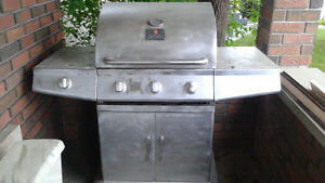 PRESIDENT'S CHOICE 57000 BTU STAINLESS STEEL BBQ