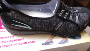 Skechers Relaxed fit with memory foam