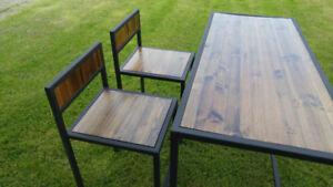 Table haute de style industriel neuve