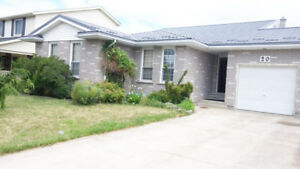 RENT: 3 BEDROOM HOME FOR FAMILY IN ST. CATHARINES!
