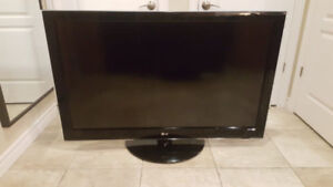 46 inch LG TV