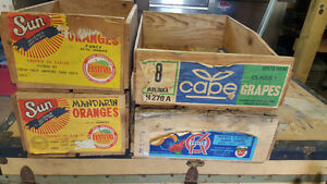 Lot of antique wood fruit boxes / crates (4 of them)