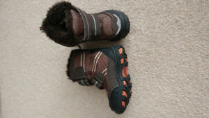 Size 4 Joe Fresh Toddler Winter Boots