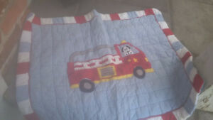 SINGLE/TWIN QUILT WITH 2 SHAMS & BED SKIRT