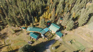 10 acres 8mins from Sun Peaks!