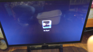 "42"" 3D lg 1080p tv screen *READ ADD*"