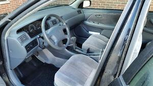1998 Toyota Camry LE LOW KILOMETERS! Super clean interior like n