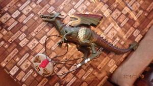Jouets divers (dragon, etc...)