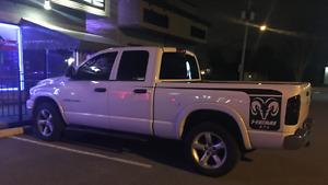 2007 Dodge Power Ram 1500 mega cab slt Camionnette