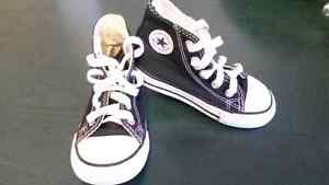 Converse All Star High Tops size 6 Toddler
