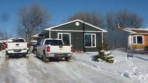 Well Kept 3 BDRM Family Home in The Pas