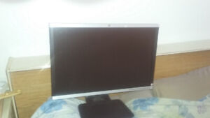 Hp Compaq | Buy or Sell Monitors & Stands in Ontario | Kijiji