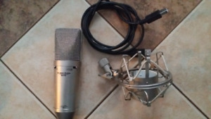 Apex 440 USB Condenser Mic with Stand