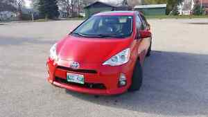 2013 Prius C 57000km Touch screen Heated Seats Sunroof