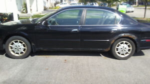 2000 Nissan Maxima GLE LOW KMS!!