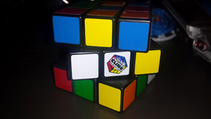 Authentic RUBIKS Cube excellent condition