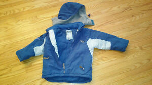 Spring jacket with removable hood 3T in Exepllent condition