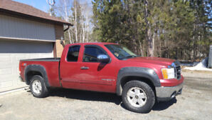 GMC Sierra 2007 Ext Cab 4 x 4 for sale $5000 or best offer