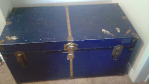 VINTAGE TRAVELGARD TRUNK.