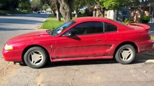 1997 Ford Mustang Coupe (2 door)  V6