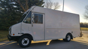 Chevy P30 Stelth Camper  Conversion