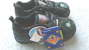"""Safety shoes """" Work Land """" Size 6 Brand New in box"""