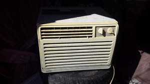 Air conditioner besoin nettoyage 25$