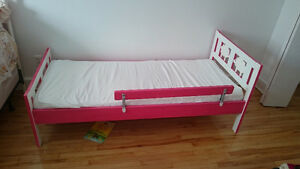 Moving sale - baby bed IKEA (pink+white)