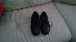 Stride Rite Black dress shoes size 2W