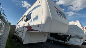 Cardinal 30le 33foot two slide out like new: Beautiful!