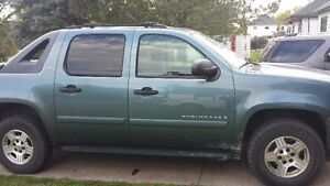 2008 Chevrolet Avalanche Pickup Truck REDUCED PRICE