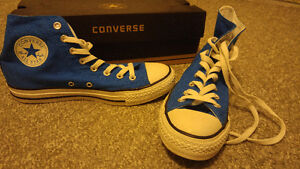 Almost new condition, blue size 7 Converse chuck high top Windsor Region Ontario image 3