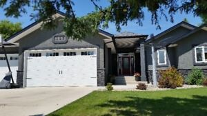 Large, Immaculate, Custom built family home
