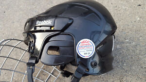 Reebok FM5K Boys Helmet Sz Med Kingston Kingston Area image 2