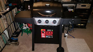 Brand New Assembled BackYard Grill 3 Burner BBQ For Sale