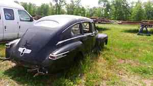 MINT 1947 LINCOLN ZEPHYR BODY WITH INTERIOR London Ontario image 3
