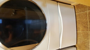 Kenmore dryer with pedestal